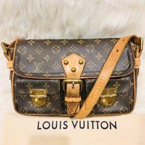 Authentic Louis Vuitton Hudson PM #9.1R
